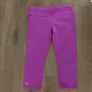 Athlete Bright pink Capri workout pants